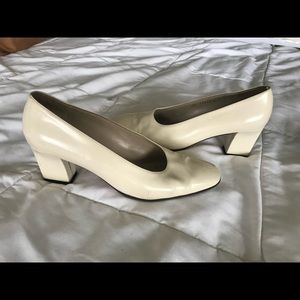 White cream Patent leather Ferragamo pumps